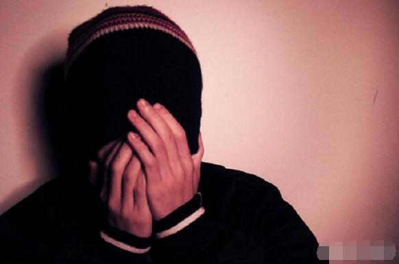 Typical characteristics of social phobia: fear of going out